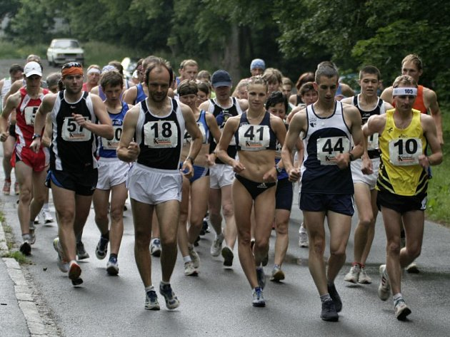 Chodci na trati devátého Chodského poháru
