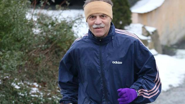 Karel Fait starší při Novoročním běhu Draženovem.