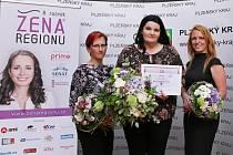 Vítězkou se stala Ladislava Blumelová (uprostřed), druhou oceněnou je Lenka Ticháčková (vlevo) a třetí Pavla Jakoubková (vpravo)