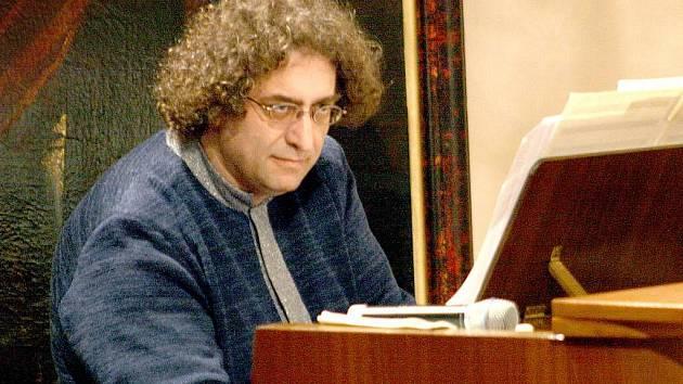 Daniel Forró.
