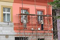 Dům na náměstí T. G. M. ve Staňkově se výrazně mění.