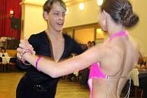 Vystoupení tanečního páru z taneční školy Dance Stod.