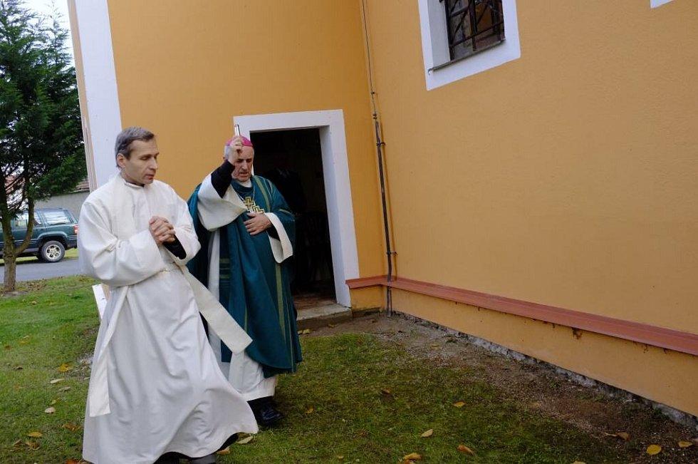 Svěcení kaple v Ostromeči.