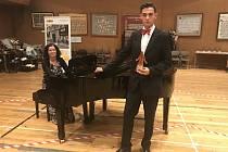 O klavírní doprovod  Michala Švece se postarala ředitelka kdyňské umělecké školy