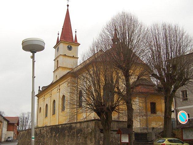 Kostel v Hostouni.