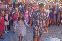 První školní den v ZŠ Mrákov.