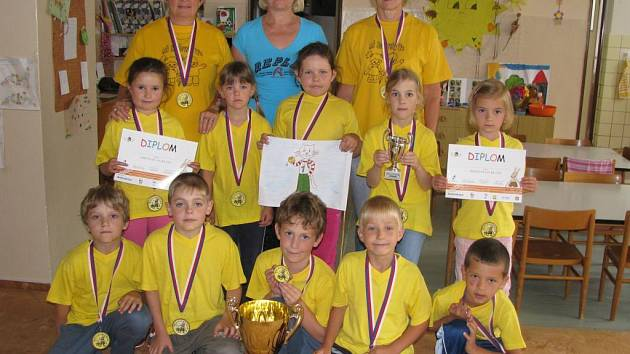 Děti z MŠ Horšovský Týn získaly putovní pohár.