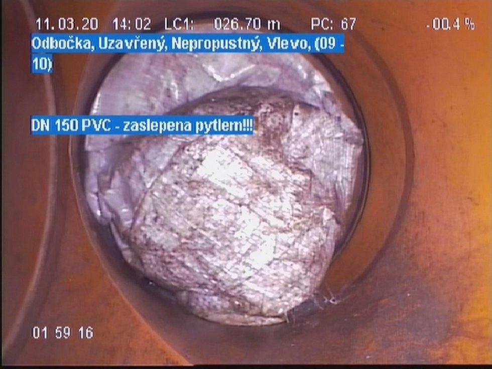 Závady, které zjistila kamera.