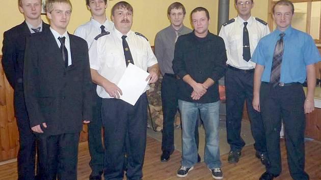 PROSTŘENO V BĚLÉ. V loňském roce soutěžily výhradně mužské týmy. Letos se do soutěže zapojí i bělské hasičky.