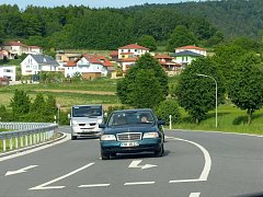 Z OBCHVATU WALDMÜNCHENU. V těchto místech lze při jízdě od HP  Lísková odbočit do města, nebo naopak pokračovat dál do vnitrozemí.