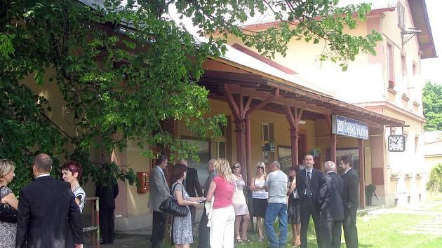 V úterý byla oficiálně zahájena rekonstrukce železniční stanice v České Kubici.