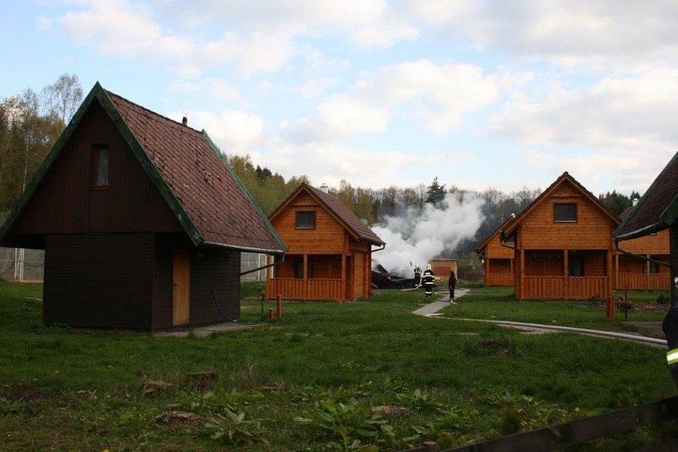 Požár chaty na Šnajberku.