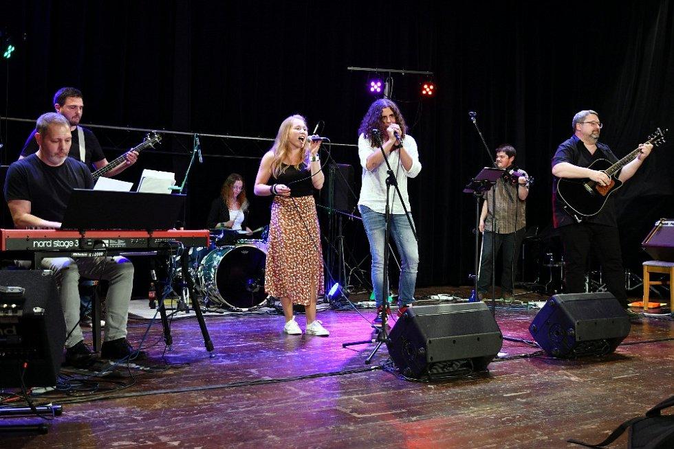 Koncert skupiny Hrajem!? v Holýšově.