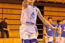 Z utkání mladých basketbalistů Domažlic.