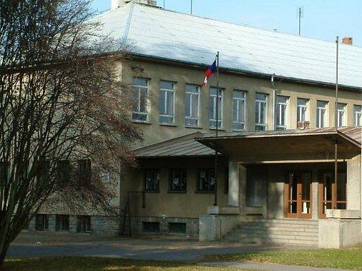 Základní škola v Kolovči.
