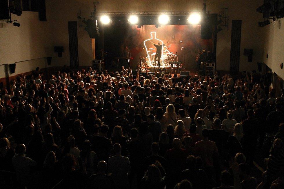Fanoušci skupiny Mig 21 si v pátek přišli na své.