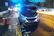 Nehoda dvou aut v Kozinově ulici v Domažlicích.