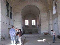 V lodi klášterního kostela by měla vzniknout smuteční síň.