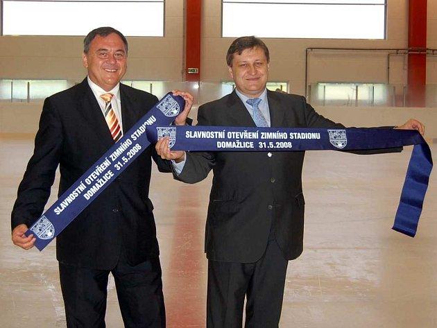 Slavnostní otevření zimního stadionu probíhalo ve veselém duchu. Součástí bylo vyhlášení nejlepších sportovců.
