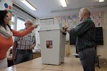 Volby v domažlické škole.