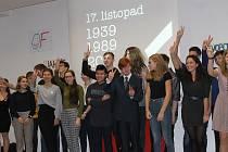 Domažlické gymnázium si připravilo komponovaný program ke studentským odbojům a událostem roku 1989.