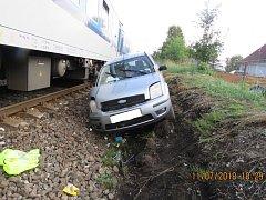 Dopravní nehoda na železničním přejezdu ve Staňkově na Domažlicku.