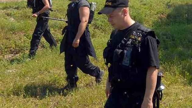 Po nahlášení zmizelé osoby často policisté nasazují při pátrání všechny síly.