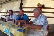 JIŘÍ KOTLAN, JAN NĚMEC A JOSEF RADA při vystoupení na oslavách 620. výročí  založení Pasečnice.