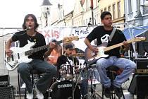 Kapela Relaxis při letošním vystoupení na domažlickém náměstí.
