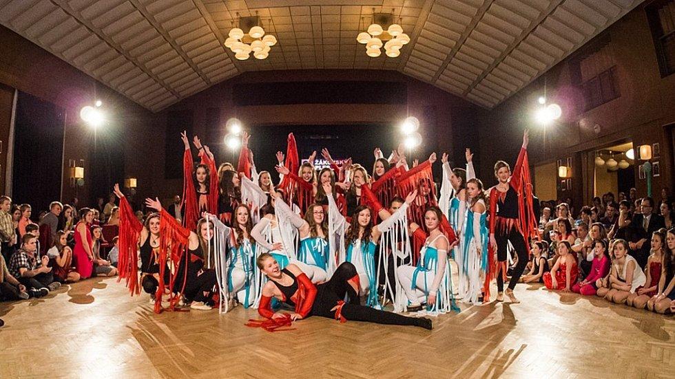 Žákovský ples 2016 ve Staňkově.