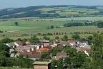 Pohled z Hrádku na Újezd.