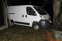 Nehoda v obci Železná se obešla bez zranění.