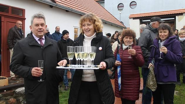 Z oslav republiky v Domažlicích, Kdyni, Holýšově, Staněticích a Hlohové.