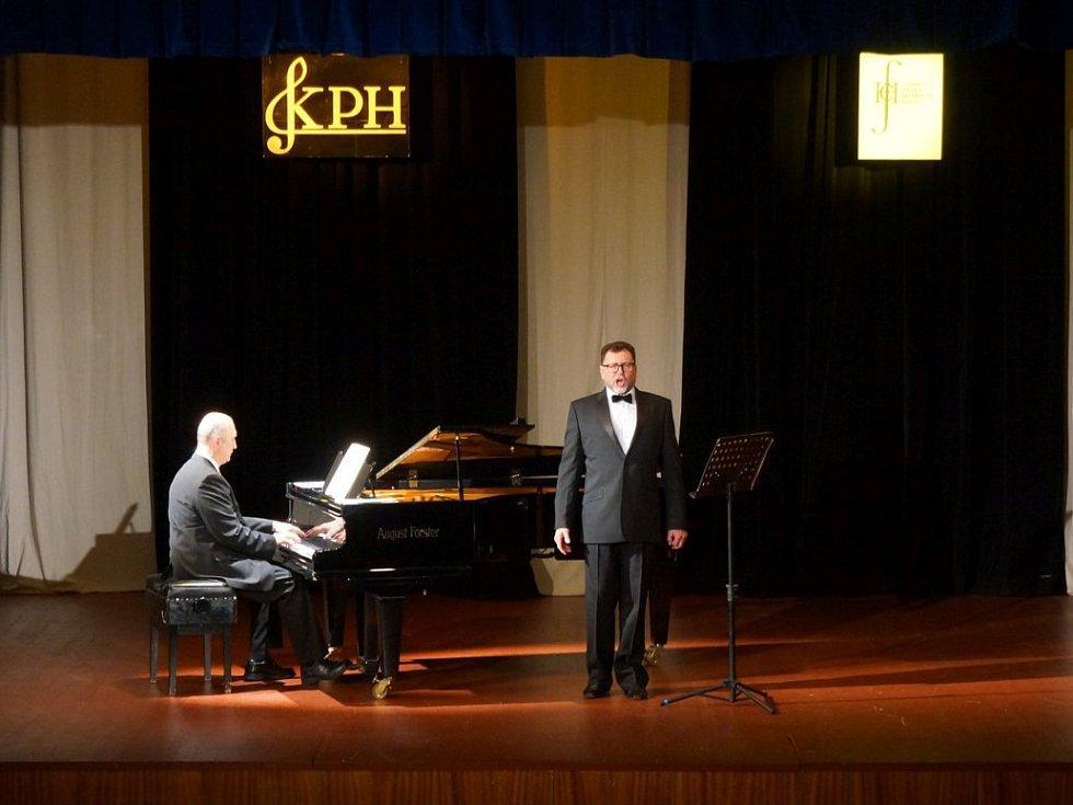 Sólista Státní opery Jurij Kruglov vystoupil v Domažlicích