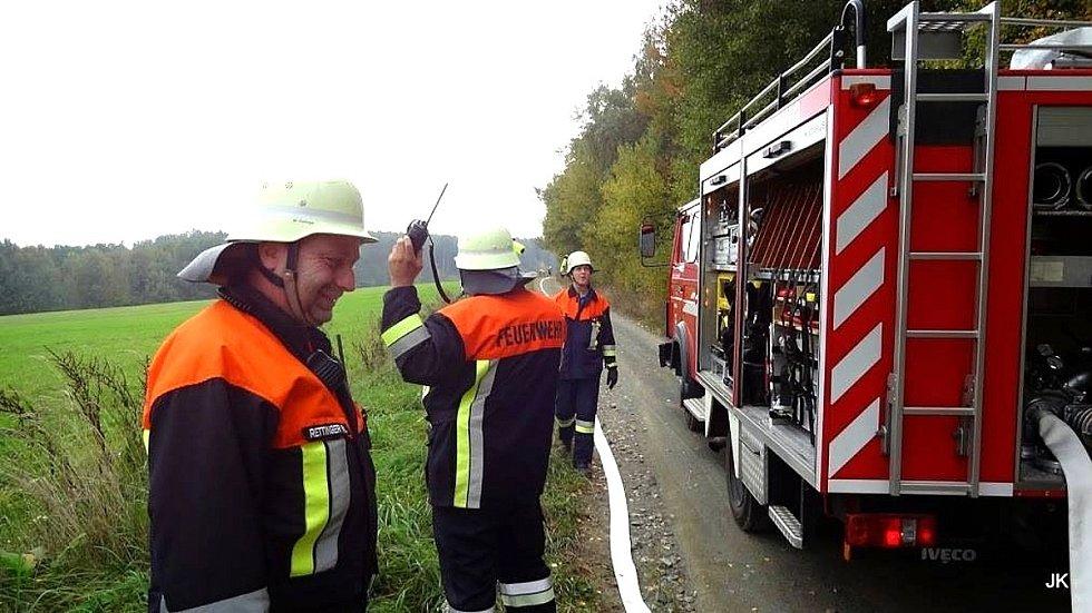 Ze cvičení českých a německých hasičů na Poběžovicku.