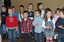 Z vánoční besídky Mateřské školy Trhanov v tamním zámku.