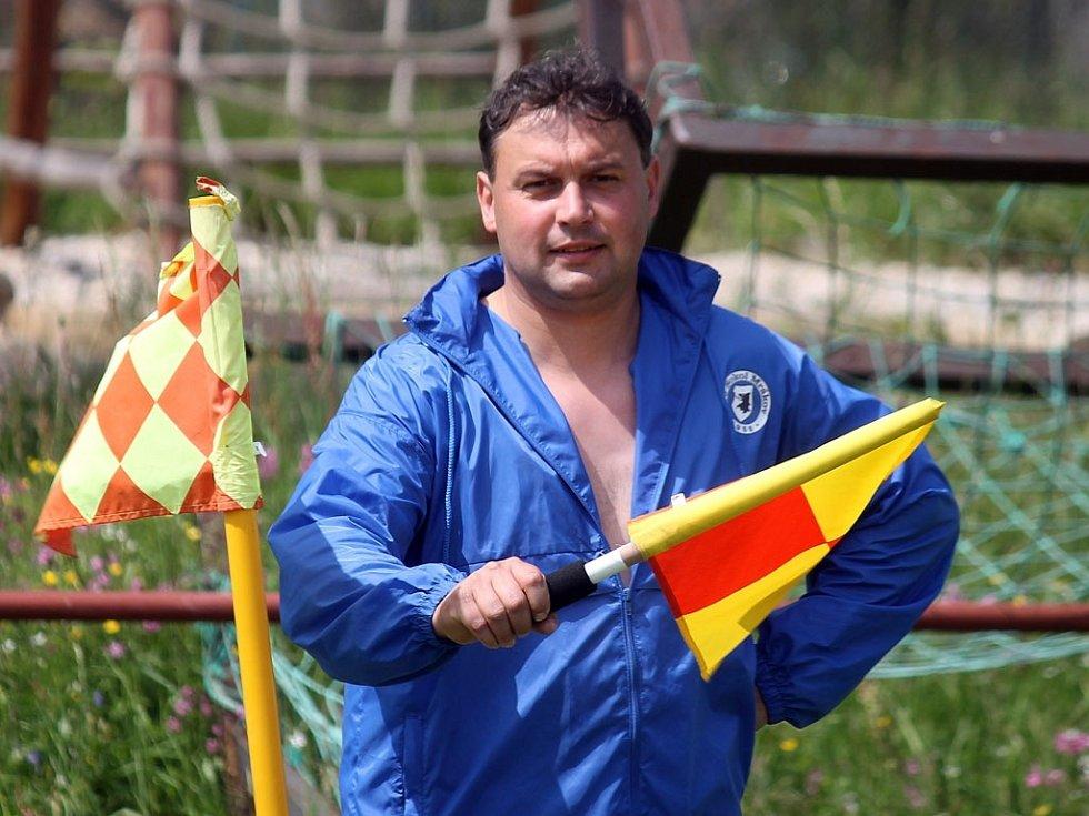 Horní Chodsko versus dolní Chodsko aneb fotbalisté Klenčí B se utkali se soupeři z Mrákova B. Na snímku Zdeněk Šrámek, v sobotu dopoledne nejlepší pomezní na Domažlicku.