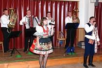 ŠOHAJI. V Tlumačově na 5. dechovkovém festivalu se v neděli představí i tato nejmenší slovácká dechovka.
