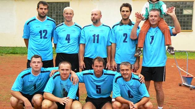 Volejbalistům TJ Sokol Kdyně se povedlo v sezóně 2007/08 vyhrát všechna utkání a postoupili do kraje I.