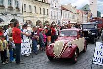 PETRA MÍŠKOVÁ se i tuto sobotu vydá na trať za volantem vozu Simca 5. První soutěžící odstartují úderem 11. hodiny.