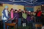 Společné zpívání koled v Bělé nad Radbuzou.