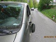 Pachatel způsobil na voze škodu za 25 tisíc.