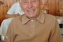 84letý včelař Václav Mastný