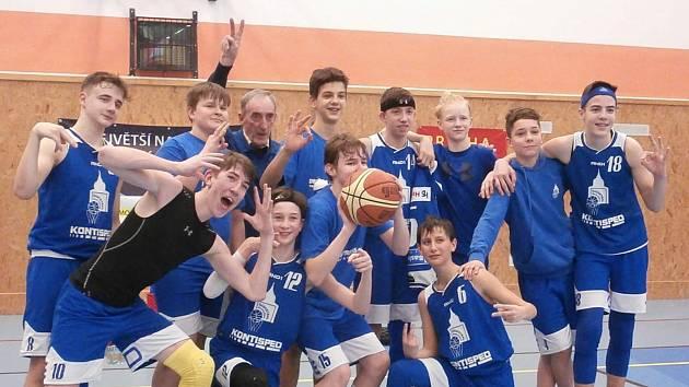 Domažlická basketbalové ´čtrnáctka´ i nadále válcuje soupeře. O víkendu porazila Pelhřimov i České Budějovice.
