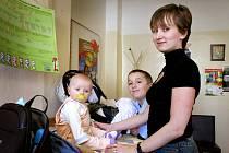 Margita Tranová z Blížejova má tři děti a zrušení poplatků u lékaře ji těší.