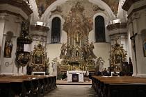 Kostel Narození Panny Marie v Domažlicích.