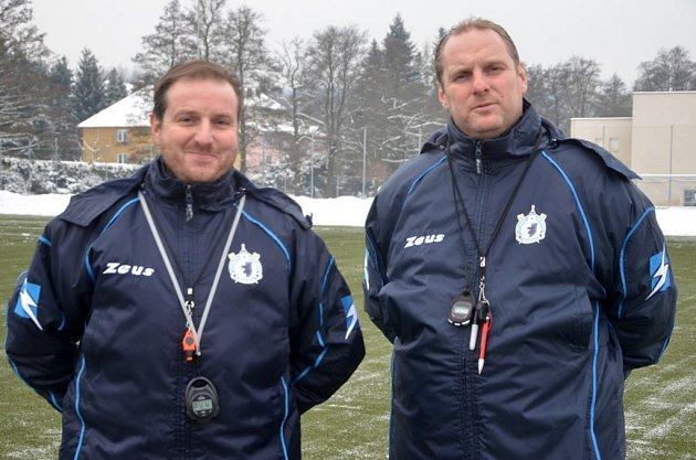 Trenérské duo Jiskry Domažlice, asistent Roman Čihák a hlavní kouč Radek Kronďák.
