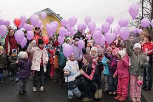 Koutští vypustili sto padesát balónku s přáním Ježíškovi.