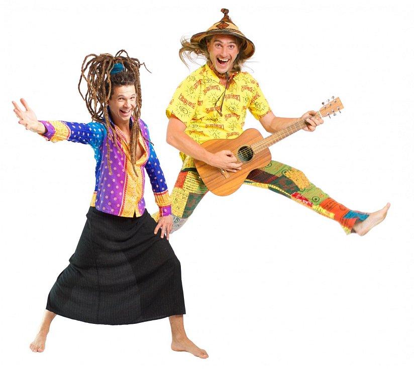 Hudba pro děti s možností aktivně se zapojit s hudebníky Rodschou z Kambodže (Rodscha aus Kambodscha) a Tomem Palmem.