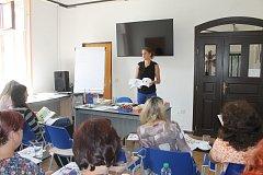 Monika Kafková při semináři na téma, proč děti nerady čtou a jak na to, aby se učily bez mučení.